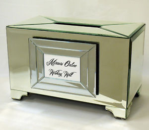 Small Mirror Wishing Well suits up to 45 cards
